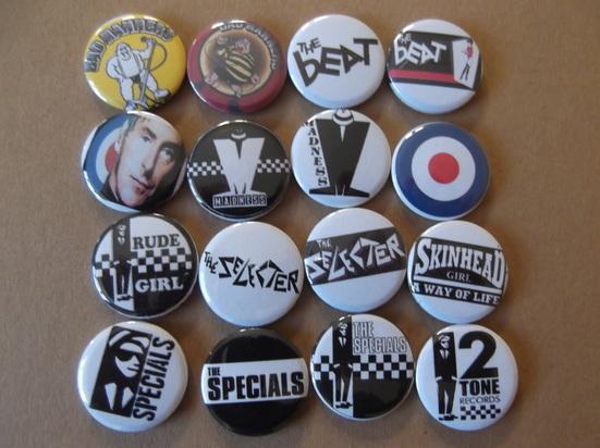 Clash, Black and white design.Punk Sex Pistols sham 69 Anarchy V2 pin badge